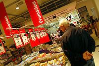 Supermercato Coop. Coop supermarket. 3
