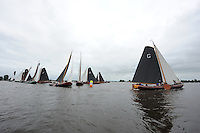 SKUTSJESILEN: GROU: SKS skûtsjesilen, Friese Sporten, 30-07-2011, Fryslân, Grouster skûtsje (It Doarp Grou) rondt als eerste de boei, ©foto Martin de Jong