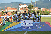 ENVIGADO - COLOMBIA, 16-02-2020:Jugadores del Bucaramanga posan para una foto previo al partido entre Envigado  y Atlético Bucaramanga por la fecha 5 de la Liga BetPlay I 2020 jugado en el estadio Polideportivo Sur de la ciudad de Envigado. / Players of Bucaramanga pose to a photo prior match between Envigado and Atletico Bucaramanga for the date 5 as part of BetPlay League I 2020 played at Polideportivo Sur stadium in Envigado. Photo: VizzorImage / León Monsalve / Cont /