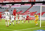 23.05.2020, Allianz Arena, München, GER, 1.FBL, FC Bayern München vs Eintracht Frankfurt 23.05.2020 , <br /><br />Nur für journalistische Zwecke!<br /><br />Gemäß den Vorgaben der DFL Deutsche Fußball Liga ist es untersagt, in dem Stadion und/oder vom Spiel angefertigte Fotoaufnahmen in Form von Sequenzbildern und/oder videoähnlichen Fotostrecken zu verwerten bzw. verwerten zu lassen. <br /><br />Only for editorial use! <br /><br />DFL regulations prohibit any use of photographs as image sequences and/or quasi-video..<br />im Bild<br />Stefan Ilsanker (Frankfurt), Gelson Fernandes (Frankfurt), Benjamin Pavard (München), Martin Hinteregger (Frankfurt), Almamy Toure (Frankfurt), Robert Lewandowski (München), Torwart Kevin Trapp (Frankfurt) <br /> Foto: Peter Schatz/Pool/Bratic/nordphoto