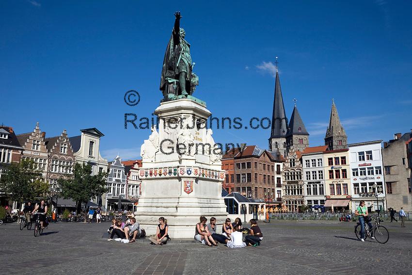 Belgium, Oost Vlaanderen, Ghent: Statue of Jacob van Artevelde on the Vrijdagmarkt (Friday Market)