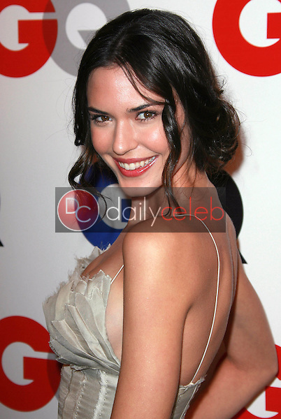 Odette Yustman<br />