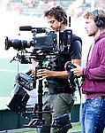DEN HAAG - WK Hockey; cameraman voor tv . halve finale tussen Australie en Argentinie. COPYRIGHT KOEN SUYK