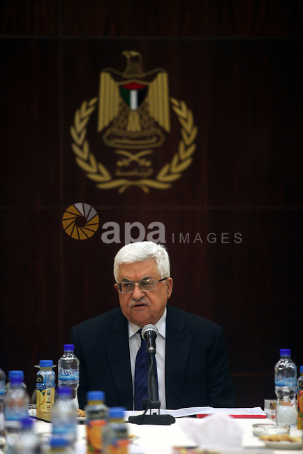 Palestinian President Mahmoud Abbas (Abu Mazen) meets with members of the Executive Committee, in the West Bank city of Ramallah, on Feb. 26, 2013. Photo by Issam Rimawi