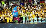 19.08.2014, Velodrom, Berlin, GER, Berlin, Schwimm-EM 2014, im Bild Zuschauer, Deutsche Fans, Deutsches Maskottchen<br /> <br />               <br /> Foto © nordphoto /  Engler