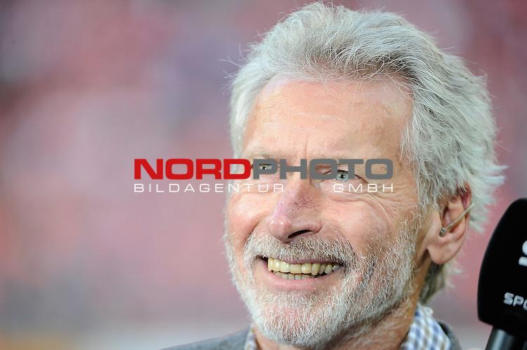 04.10.2015, Allianz-Arena, Muenchen, GER, Bundesliga, 8. Spieltag, FC Bayern Muenchen vs Borussia Dortmund, im Bild<br /> <br /> Paul Breitner<br /> <br /> Foto &copy; nordphoto / Schreyer