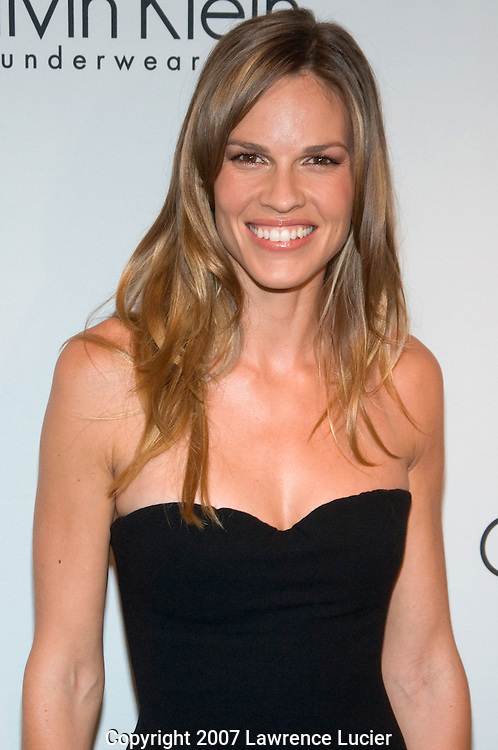 NEW YORK - SEPTEMBER 05:  Actress Hilary Swank arrives at the party for the 25th anniversary of Calvin Klein Underwear September 5, 2007, at the Calvin Klein offices in New York City. (Photo by Lawrence Lucier)