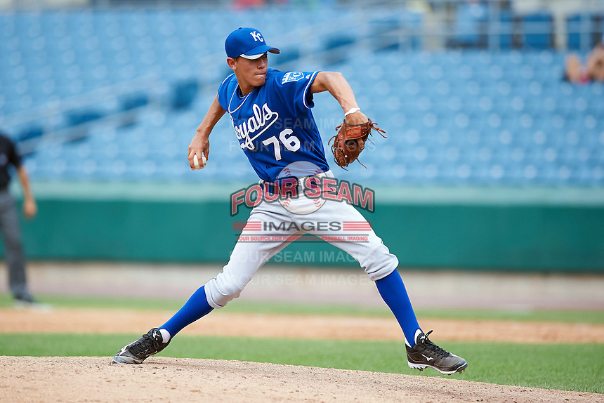 Austin Sexton #76 of Sparkman High School in Madison, Alabama playing for the Kansas City Royals scout team during the East Coast Pro Showcase at Alliance Bank Stadium on August 3, 2012 in Syracuse, New York.  (Mike Janes/Four Seam Images)