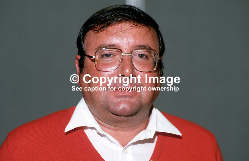 Bob McTaggart, MP, Labour Party, UK, 19870926BMT..Copyright Image from Victor Patterson, 54 Dorchester Park, Belfast, UK, BT9 6RJ..Tel: +44 28 9066 1296.Mob: +44 7802 353836.Voicemail +44 20 8816 7153.Skype: victorpattersonbelfast.Email: victorpatterson@me.com.Email: victorpatterson@ireland.com (back-up)..IMPORTANT: If you wish to use this image or any other of my images please go to www.victorpatterson.com and click on the Terms & Conditions. Then contact me by email or phone with the reference number(s) of the image(s) concerned.
