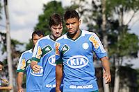SAO PAULO, 21 DE FEVEREIRO, 2013  - TREINO PALMEIRAS - Kleber(D) e Mauricio Ramos(E) bdurante treino na Academia de Futebol, na tarde desta quinta-feira(21), zona oeste de capital.  A equipe se prepara para 9ª rodada do paulistão - FOTO: LOLA OLIVEIRA//BRAZIL PHOTO PRESS