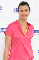 BRIDGEHAMPTON, NY - AUGUST 05: Bridget Moynahan at the 23rd annual Einstein Hamptons Family Day at the Ross School on August 5, 2012 in Bridgehampton, New York. &copy;&nbsp;mpi98/MediaPunch Inc. /NortePhoto.com<br />