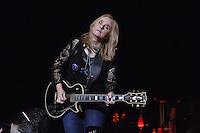 Melissa Etheridge performs a solo show  in Jackson Mississippi Tuesday February 23, 2016.Photo©Suzi Altman