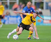 Fussball, 2. Bundesliga, Saison 2011/12, Testspiel SG Dynamo Dresden - Slovan Liberec, Pirna. Dresdens Giannis Papadopoulos (re.) gegen Liberec´s Milos Karisik.