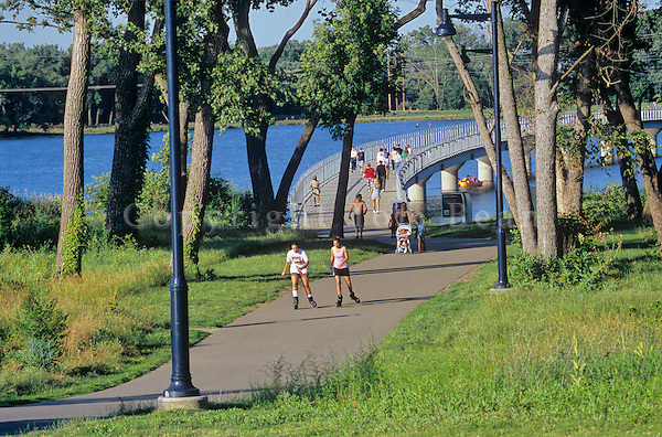 Hiking and biking trail around Gray's Lake on busy summer afternoon in Des Moines, Iowa, AGPix_0508..