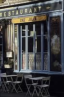 """Europe/France/Ile-de-France/Paris: """"BELLE EPOQUE"""" - Restaurant """"Chez Julien"""" rue de l'Hôtel de ville dans le Marais<br /> PHOTO D'ARCHIVES // ARCHIVAL IMAGES<br /> FRANCE 1990"""