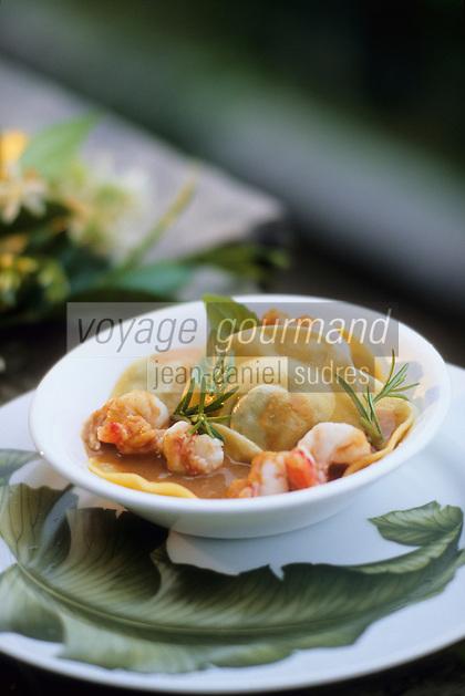 """Europe/Italie/Lac de Come/Lombardie/Vigano : Raviolis cuits à la vapeur farcis de petits pois et crevettes de sicile - Recette du restaurant """"Pierino Penati"""""""
