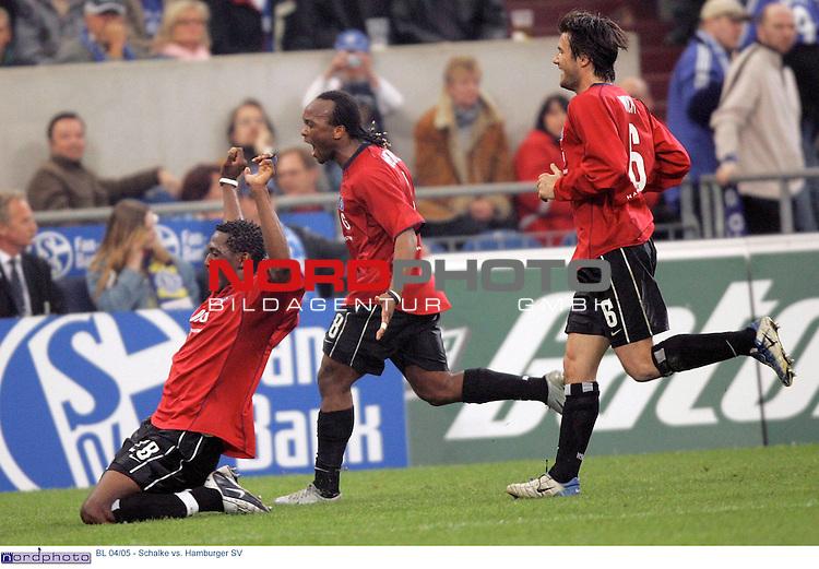 BL 2004/2005 -  29. Spieltag - RŁckrunde<br /> <br /> FC Schalke 04 vs. Hamburger SV<br /> <br /> <br /> <br /> Riesenjubel bei Collin Benjamin, Almami Moreira und Raphael Wicky (v.l.n.r.:) vom Hamburger SV nach dem Tor zum 2:1 durch Emile Mpenza.<br /> <br /> <br /> <br /> Foto &copy; nordphoto - Ruediger Lampe<br /> <br /> <br /> <br />  *** Local Caption *** Foto ist honorarpflichtig! zzgl. gesetzl. MwSt.<br /> <br /> Belegexemplar erforderlich<br /> <br /> Adresse: nordphoto<br /> <br /> Georg-Reinke-Strasse 1<br /> <br /> 49377 Vechta