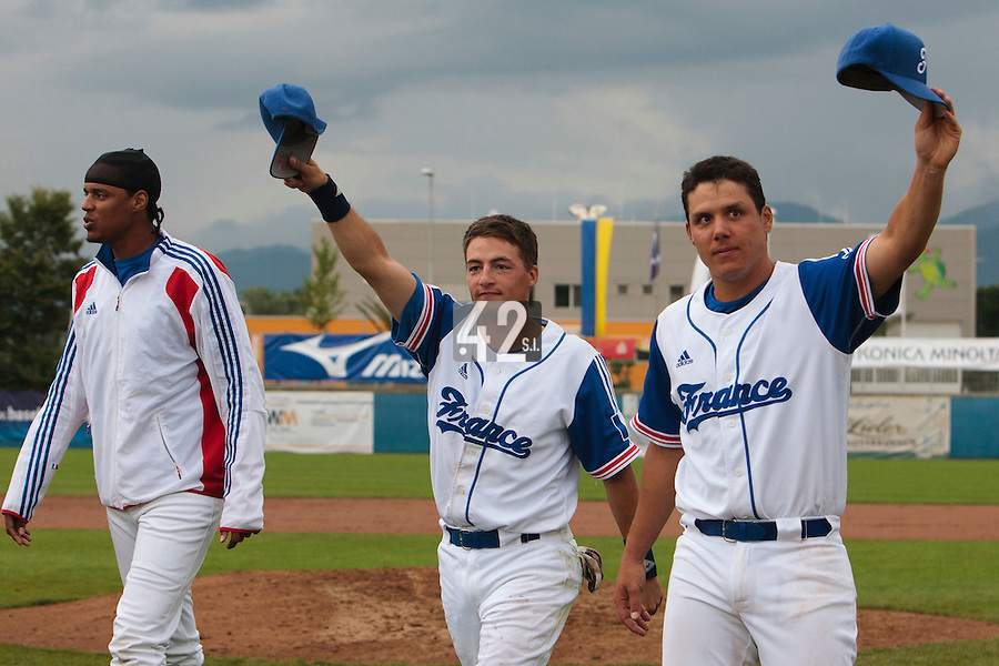 26 july 2010: Romain Scott Martinez of France thanks the crowd next to Boris Marche, and Arold Castillo (left) during France 10-2 victory over Ukraine, in day 4 of the 2010 European Championship Seniors, in Neuenburg, Germany.