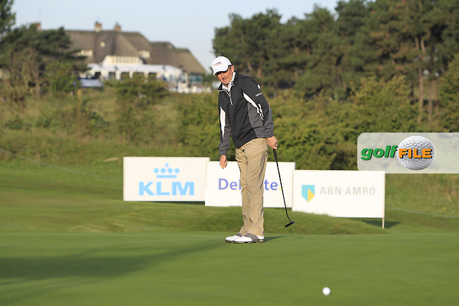 Peter Lawrie (IRL) on the 1st green during Round 1 of the 2015 KLM Open at the Kennemer Golf &amp; Country Club in The Netherlands on 10/09/15.<br /> Picture: Thos Caffrey | Golffile