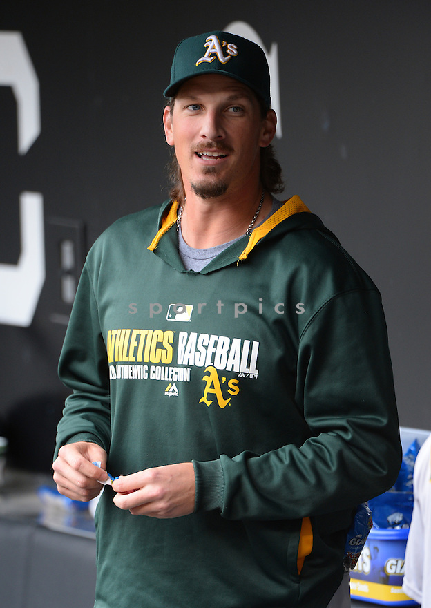 Oakland A's Jeff Samardzija (29) during a game against the Chicago White Sox on September 11, 2014 at US Cellular Field in Chicago, IL. The Sox beat the A's 1-0.