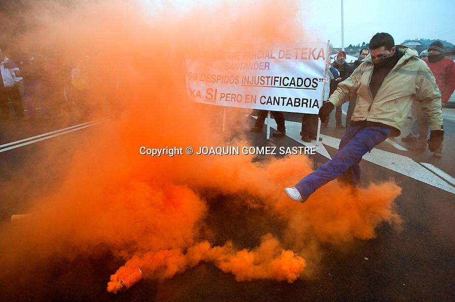 9 FEBRERO 2012 SANTANDER.Segundo paro total de 24 horas de la fabrica  de TEKA  en Santander por el Ere que afectara a 198 trabajadores .foto © JOAQUIN GOMEZ SASTRE