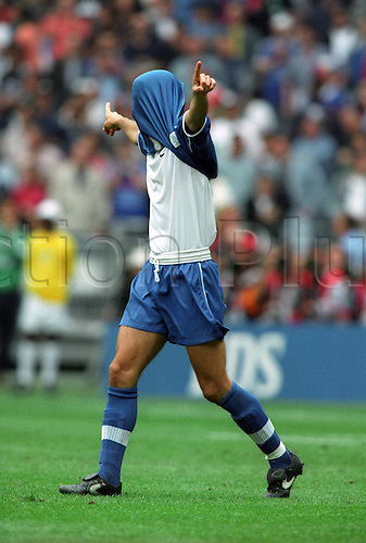 03 07 1998 Italy France World Cup Quarter-finals Alessandro Costacurta Italy. Photo: Imago/Actionplus. UK Licenses Only