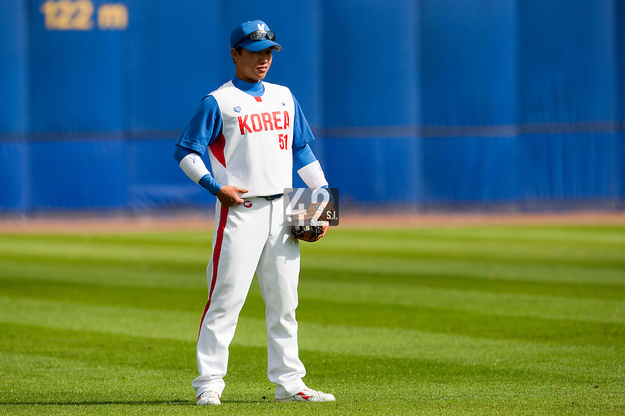 14 September 2009: Shortstop Boung-Gon Jeung of South Korea is seen prior to the 2009 Baseball World Cup Group F second round match game won 15-5 by South Korea over Great Britain, in the Dutch city of Amsterdan, Netherlands.