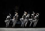 RAYMONDA..Choregraphie : PETIPA Marius,NOUREEV Rudolf.Compagnie : Ballet de l Opera National de Paris.Orchestre : Colone.Decor : GEORGIADIS Nicholas.Lumiere : PEYRAT Serge.Costumes : GEORGIADIS Nicholas.Lieu : Opera Garnier.Ville : Paris.Le : 30 11 2008.© Laurent PAILLIER / photosdedanse.com