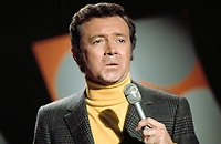 ***FILE PHOTO*** ***Vic Damone Has Passed Away aged 89***<br /> Vic Damone singing<br /> Los Angeles , CA<br /> 1972<br /> CAP/MPI/RTS<br /> &copy;RTS/MPI/Capital Pictures