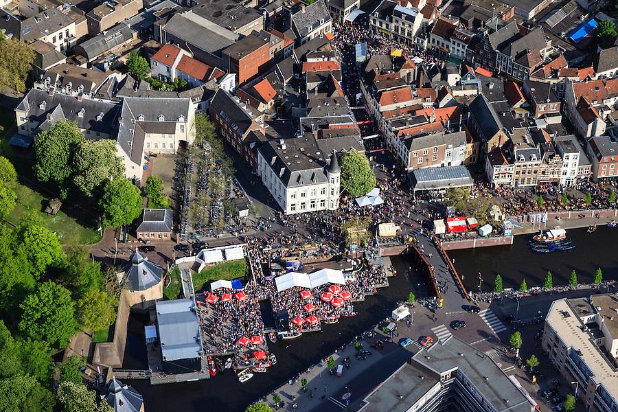Nederland, Noord-Brabant, Breda, 09-05-2013; centrum van Breda. Water van Spanjaardsgat overgaand in Prinsenkade.<br /> Drukte vanwege Breda Jazz Festival 2013.<br /> Center of Breda, around the Great Church.<br /> Many people around because of the Breda Jazz Festival 2013.<br /> luchtfoto (toeslag op standard tarieven);<br /> aerial photo (additional fee required);<br /> copyright foto/photo Siebe Swart.