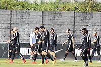 SÃO PAULO, SP, 22.05.2015 - FUTEBOL-CORINTHIANS - Jogadores do Corinthians durante sessão de treinamento no Centro de Treinamento Joaquim Grava na região leste de São Paulo nesta sexta-feira, 22. (Foto: Marcos Moraes/Brazil Photo Press)