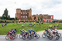 Picture by Alex Whitehead/SWpix.com - 05/09/2018 - Cycling - OVO Energy Tour of Britain - Stage 4: Nuneaton to Royal Leamington Spa - Kenilworth Castle.