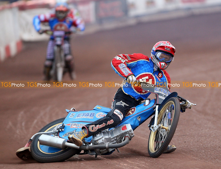Heat 4: Jonas Davidsson (red) and Chris Mills (blue) - Lakeside Hammers vs Peterborough Panthers KO Cup at The Arena Essex Raceway, Lakeside - 20/06/08 - MANDATORY CREDIT: Rob Newell/TGSPHOTO
