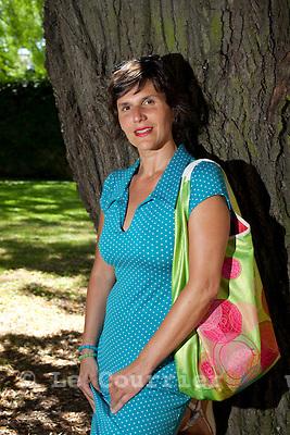 Genève, le 05.08.2009.Laura Costas Györik, terrasse du troc..© Le Courrier / J.-P. Di Silvestro