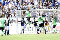 Kopfball Dominic Peitz (KSC) zum 0:1 - 21.07.2013: FSV Frankfurt vs. Karlsruher SC, Frankfurter Volksbank Stadion