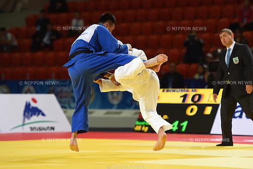 (L-R) Duanbin Ma (CHN), Masashi Ebinuma (JPN), AUGUST 25, 2015 - Judo : World Judo Championships Astana 2015 Men's -66kg 2nd round at Alau Ice Palace in Astana, Kazakhstan. (Photo by AFLO SPORT)