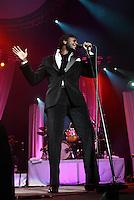 Corneille  au Centre Bell pour la premiere fois le 8 decembre 2006.<br /> <br /> Photo : (c)  2006, Images Distribution