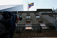 People walks pass the Venezuelan consulate in the same day as two relatives of Venezuelan President Nicol‡s Maduro, Efra'n Antonio Campo and Francisco Flores were scheduled to go U.S. Federal Court  in New York.11.12.2015.  Kena Betancur/VIEWpress.