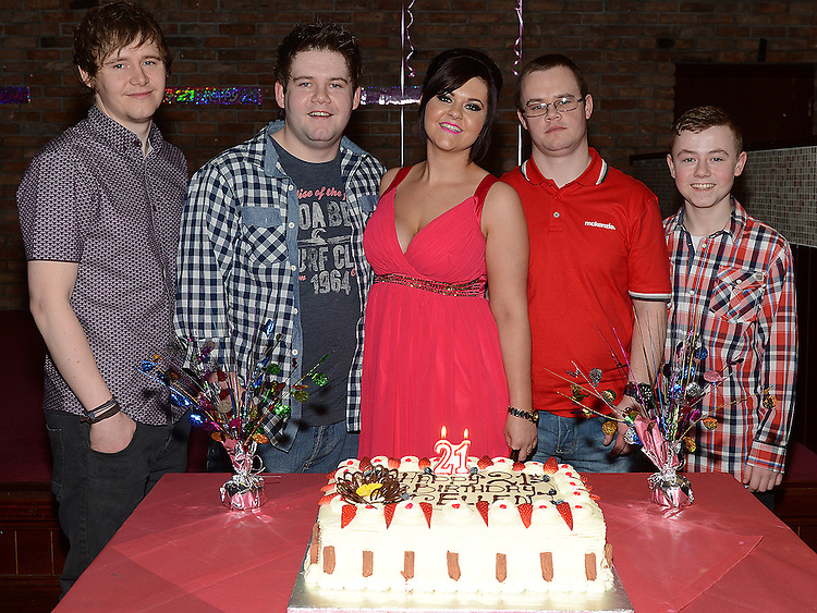 Ellen Branigan celebrating her 21st birthday in McHugh's with her brothers Jason, Alan, Barry and Jack. Photo:Colin Bell/pressphotos.ie