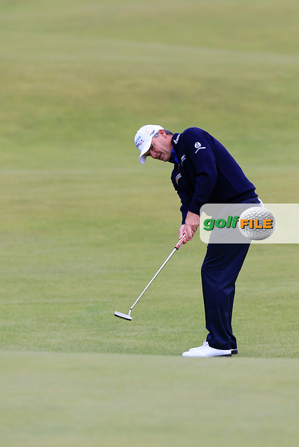 Paul LAWRIE (SCO) putts onto the 18th green during Sunday's Round 3 of the 144th Open Championship, St Andrews Old Course, St Andrews, Fife, Scotland. 19/07/2015.<br /> Picture Eoin Clarke, www.golffile.ie