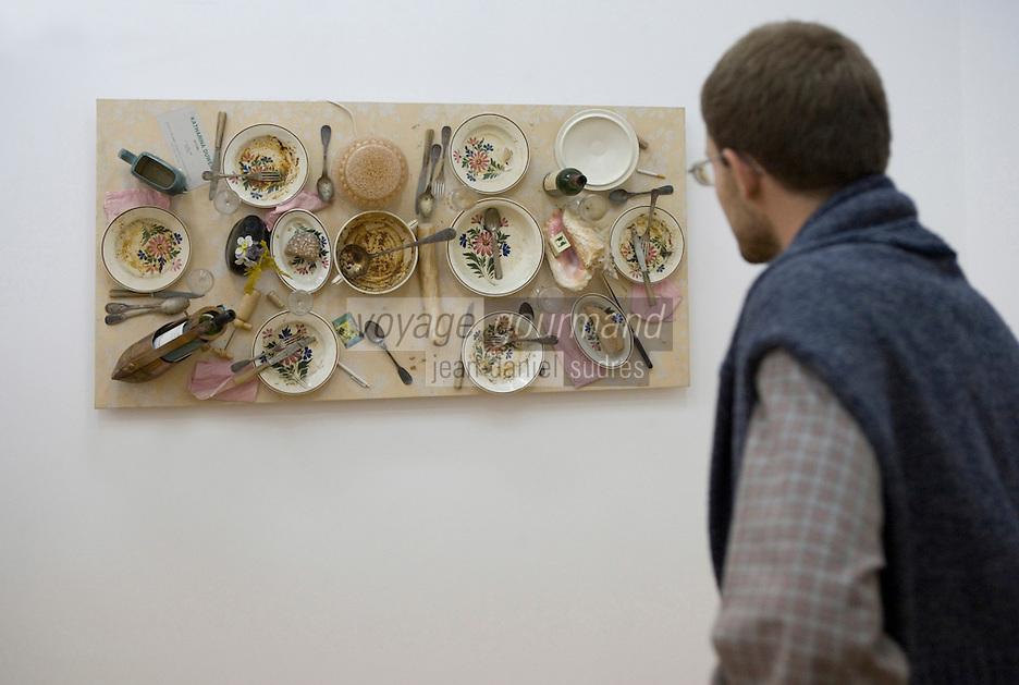 Europe/Pologne/Lodz: Musée D'art Moderne dans le Palais de Maurice Poznanski -repas par Daniel Spoerri