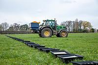 Fertiliser spreader tray test - Lincolnshire, March