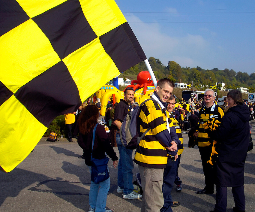 Photo: Alan Crowhurst..London Wasps v Newcastle Falcons. Guinness Premiership. 15/10/2006. A Wasps fan with his flag.