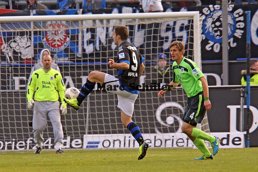 Edmond Kapllani (FSV) gegen Kai Bülow (1860) - FSV Frankfurt vs. TSV 1860 München Frankfurter Volksbank Stadion