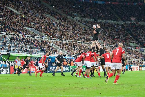 09.10.2015. St James Park, Newcastle, England. Rugby World Cup. New Zealand versus Tonga. New Zealand All Black number 8 Kieran Read wins the line out.