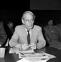 Le chef du Parti Quebecois Rene Levesque vers 1980<br /> (date inconnue, avant 1984)<br /> <br /> Photo : Agence Quebec Presse - Roland Lachance