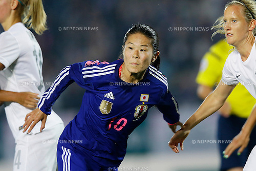 Homare Sawa (JPN), <br /> MAY 24, 2015 - Football / Soccer : MS&amp;AD Nadeshiko Cup 2015 match between Womens Japan and Womens New Zealand at Marugame stadium, Kagawa, Japan. (Photo by AFLO)