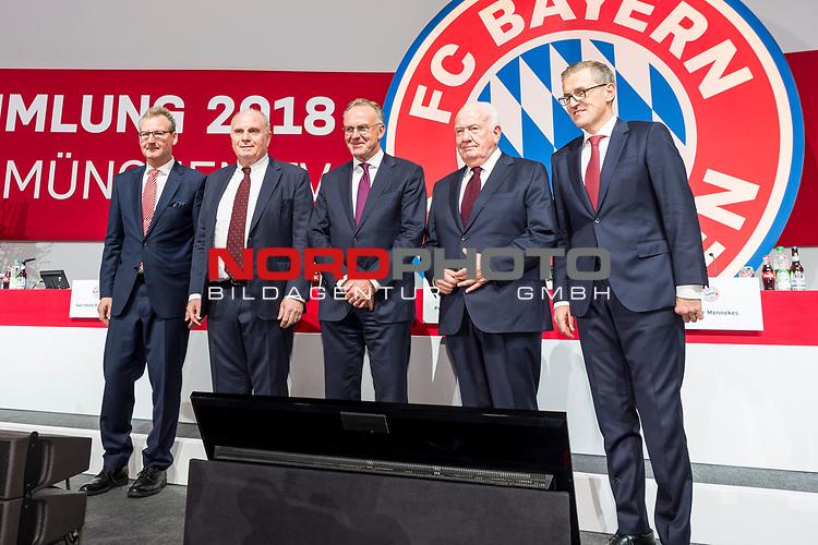 30.11.2018, Audi Dome, Muenchen, GER, FC Bayern Jahreshauptversammlung 2018, im Bild Jan Christian Dreesen (Stellv. Vorstandsvorsitzender FCB)  Uli Hoeness (Praesident FCB) Karl-Heinz Rummenigge (Vorstandsvorsitzender FCB) Walter Mennekes (Vizepraesident FCB) Prof. Dr. Dieter Mayer (Vizepraesident FCB)<br /> <br /> Foto © nordphoto / Straubmeier