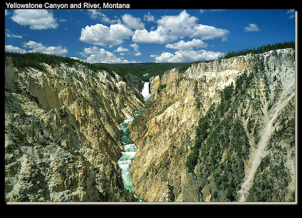 Clouds like these add a lot to the photo.<br />