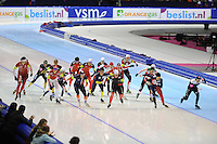 SCHAATSEN: HEERENVEEN: IJsstadion Thialf, 18-11-2012, Essent ISU World Cup, Season 2012-2013, Men Mass Start Division B, start, ©foto Martin de Jong